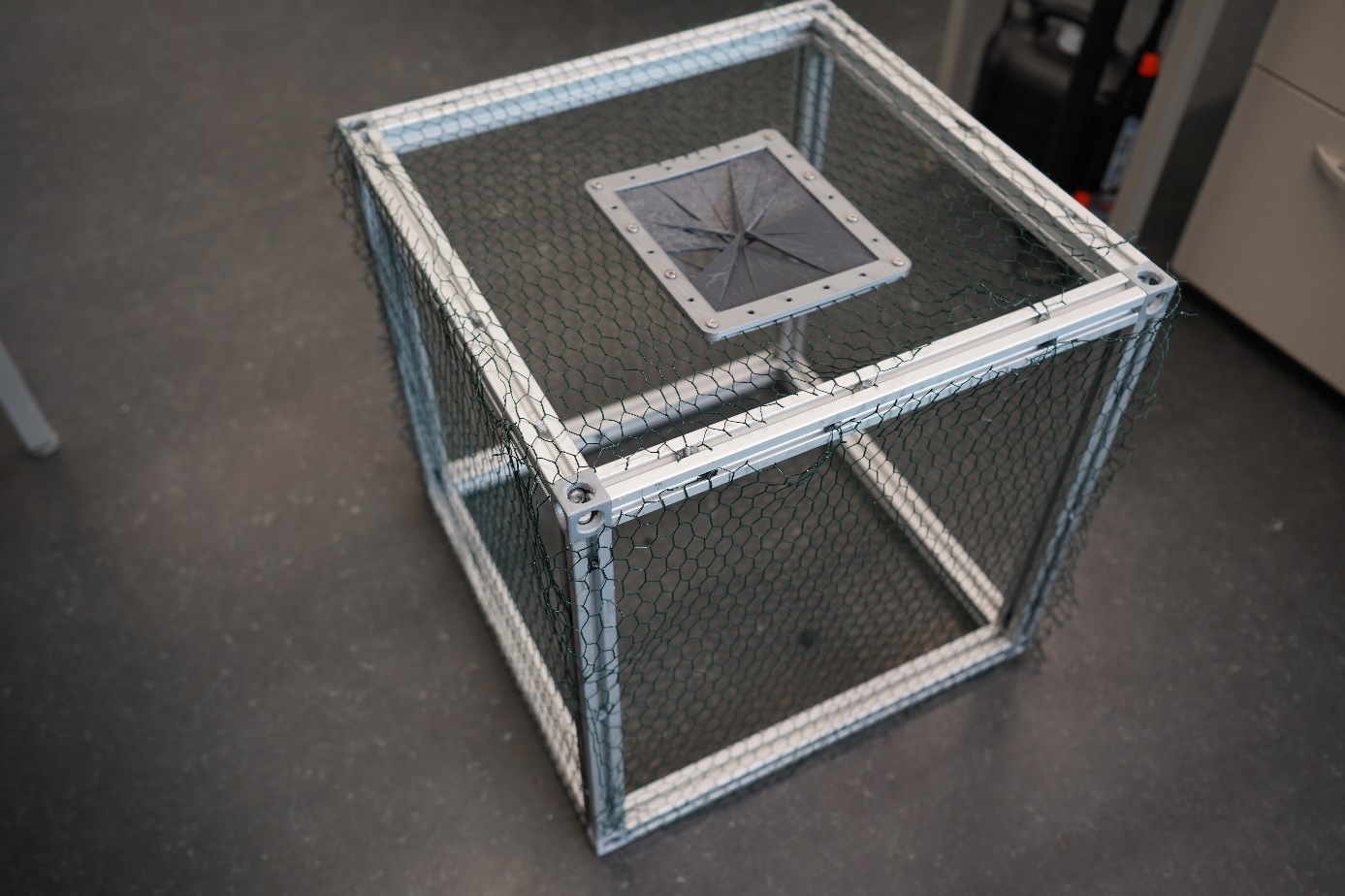 Lateral view of the basket prototype